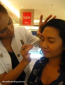 applying eyeshadow, by bitsandtreats