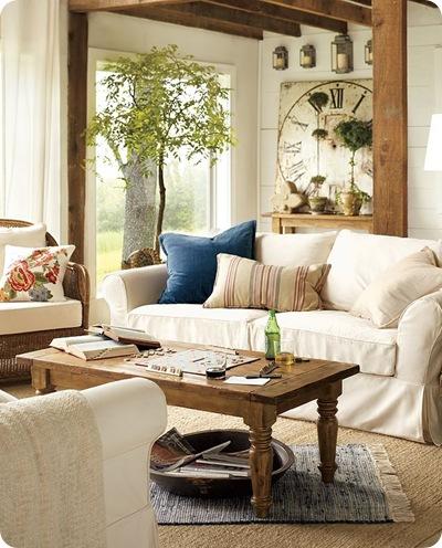 Pottery Barn Hyde turned leg-pine