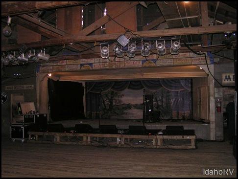 Gruene-Hall-2