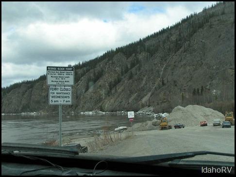 Ferry-Crossing-Dawson-City-