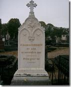 Rimbaud_-_tombe_à_Charleville_
