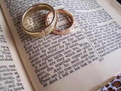 wedding-Bible-rings