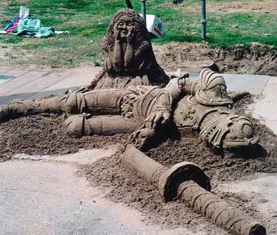 dead-knight-sand-sculpture