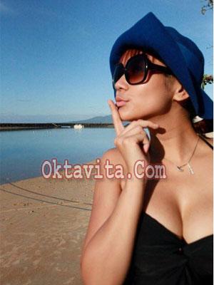 Anita Hara Hot