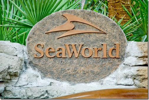 seaworld sign (1 of 1)
