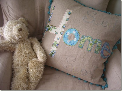 Sweet Home pillow 023