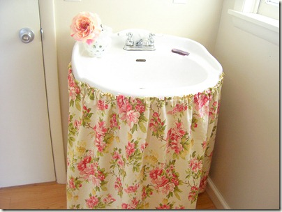 Girly Sink Skirt. 100_6771a
