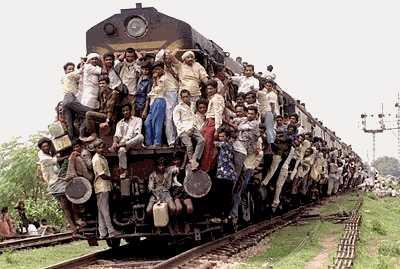 http://lh3.ggpht.com/_Csm0pCyqmGc/TAcDctp5eXI/AAAAAAAADYo/m0CeScgmceE/india-train.jpg