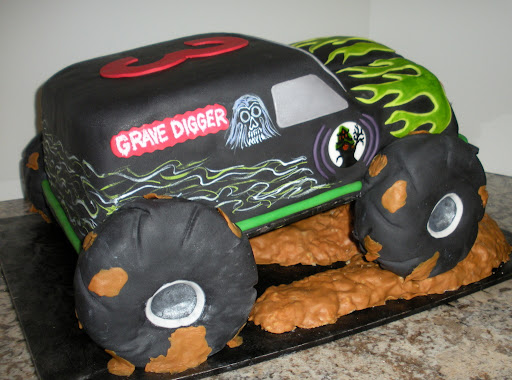 Moster Truck Cake 10-3-09 077.jpg