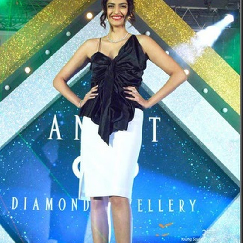 Sonam kapoor at launch of Anant diamond jewellery