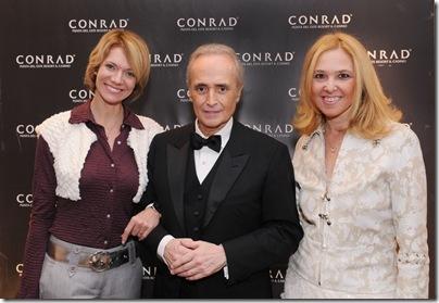 Laura Wie, José Carreras y Silvina Luna
