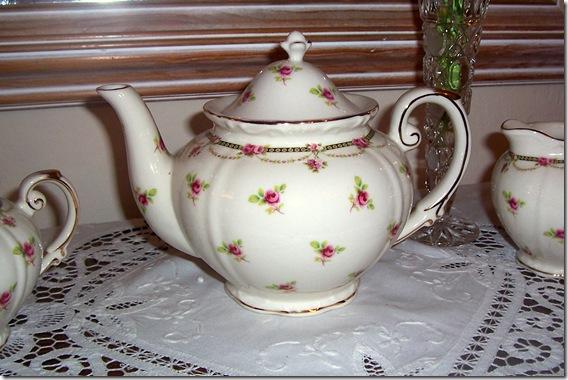 petite rose teapot closeup