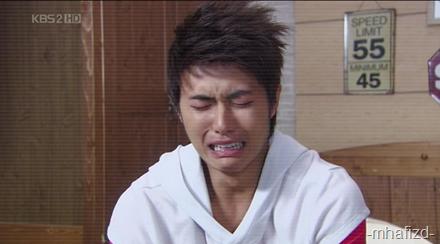 Kwang Hee pon nangis gak - Most of the time die yang jaga sebab keje kt umah je