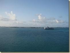 Approach Bermuda w Veendam (Small) (2)
