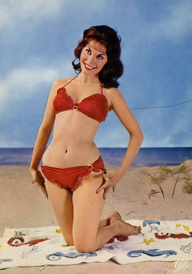 Cartes Postales Pop et  Kitsch des années 50, 70 et 70 - Pop and kitsch vintage postcards from the fifties, the sixties and the seventies : Beautés marines Babes on the beach