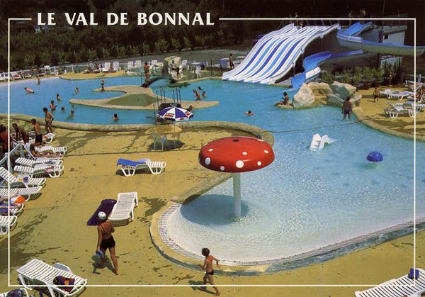 Cartes Postales Pop et  Kitsch des années 50, 70 et 70 - Pop and kitsch vintage postcards from the fifties, the sixties and the seventies : Jeux de plein air