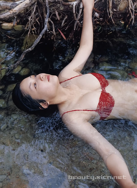 Yoko Mitsuya photo gallery.jpg