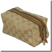 gucci_apricot_gold_cosmetic_bag_02