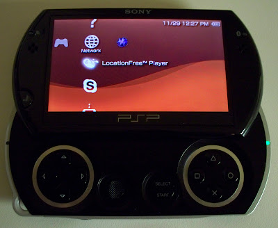 PSP Go (opened)
