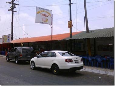 LA BARDA QUE SEPARA LA ZONA DE FERROCARRILES, MUELLE Y MERCADOS