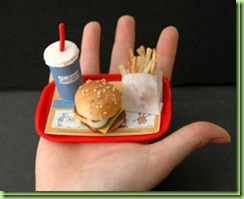 worlds-smallest-burger_thumb[1]