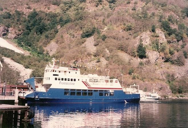 Obiective turistice Norvegia: ferry la Gudvangen.jpg