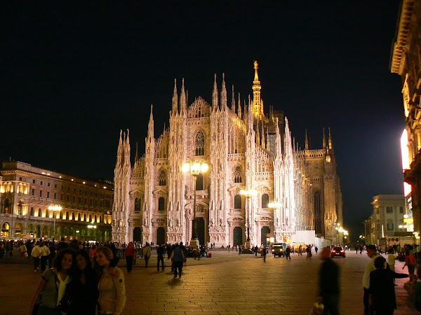 Imagini Milano: Domul noaptea.JPG