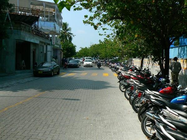 Imagini Maldive: bulevardul din Male