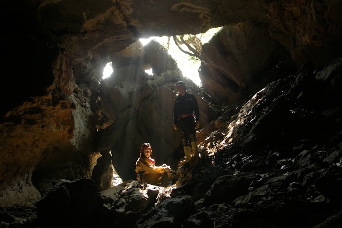 Obiective turistice India: caving.JPG