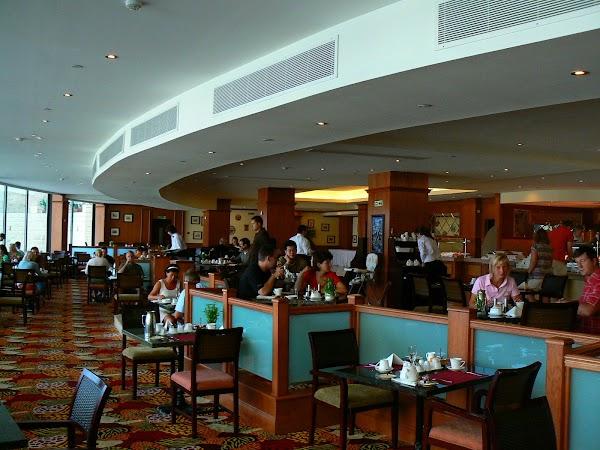 16. restaurant Excelsior.JPG