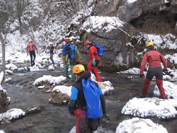 Pregatiri pentru expeditia speologica in India
