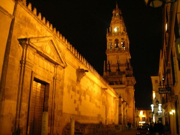 Obiective turistice Spania: Mezquita Catedral noaptea