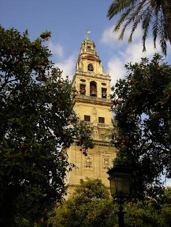 Obiective turistice Spania: Mezquita Catedral, Cordoba minaret - clopotnita.JPG
