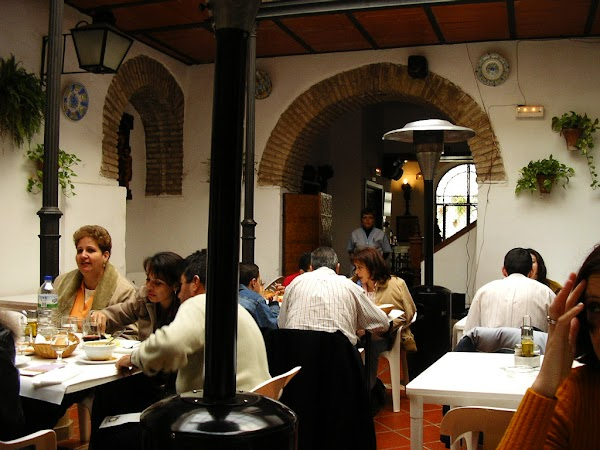 Obiective turistice Spania: restaurant traditional Cordoba
