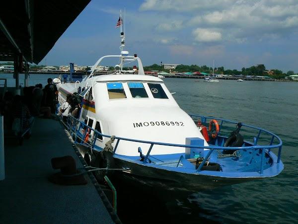 Atractii Malaezia: port Pulau Labuan.JPG