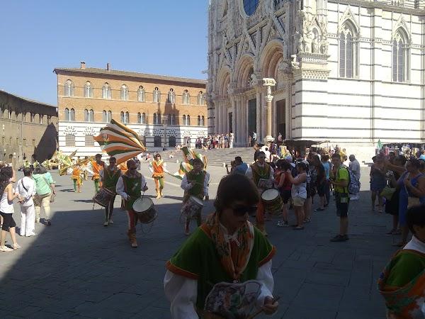 Atractii turistice Italia: Siena