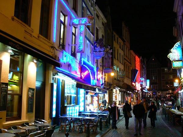 Obiective turistice Belgia: strazi noaptea, Bruxelles