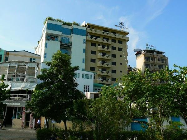 Imagini Maldive: hoteluri din Male.JPG