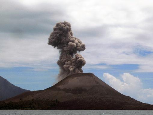 Krakatau (Volcano), Indonesia
