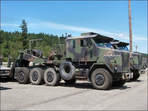 M1070 Heavy Equipment Transporter 23