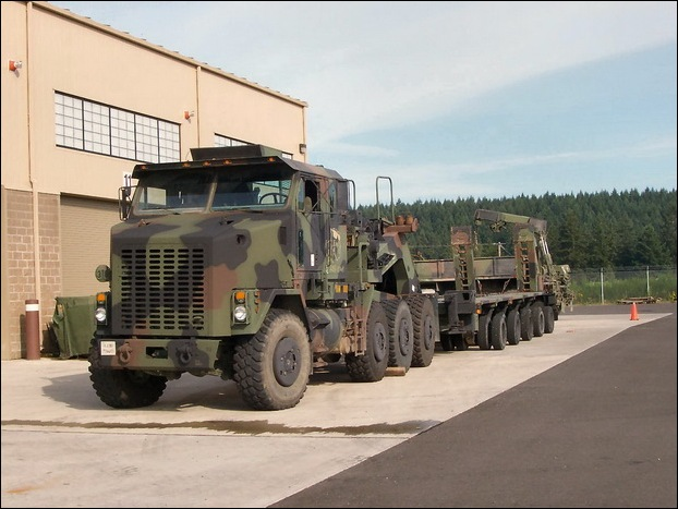 M1070 Heavy Equipment Transporter 15