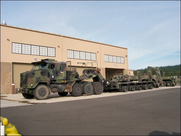 M1070 Heavy Equipment Transporter 16