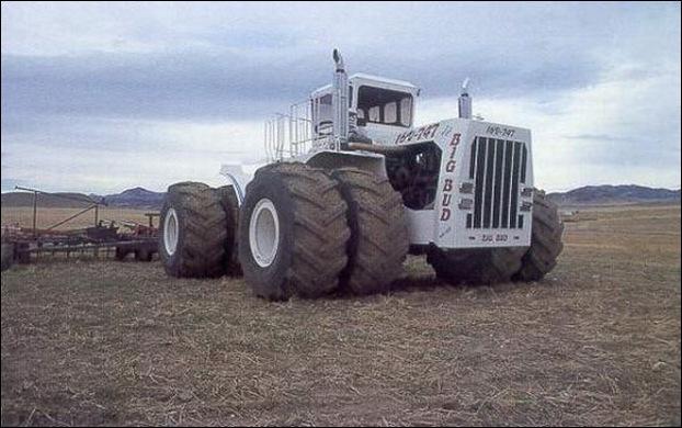 Big Bud 747 tractor 11