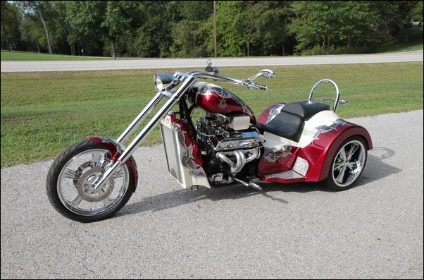 Four great motorcycle of the V8 Choppers   MegaMachine info
