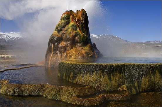 Fly Geyser in Black Rock Desert 09