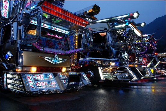 Dekotora...Japanese mad custom truck modding06