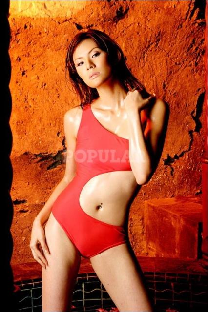 olga-lidya-onepiece.swimsuit-merah (4).jpg