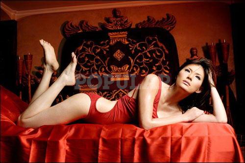 olga-lidya-onepiece.swimsuit-merah.jpg