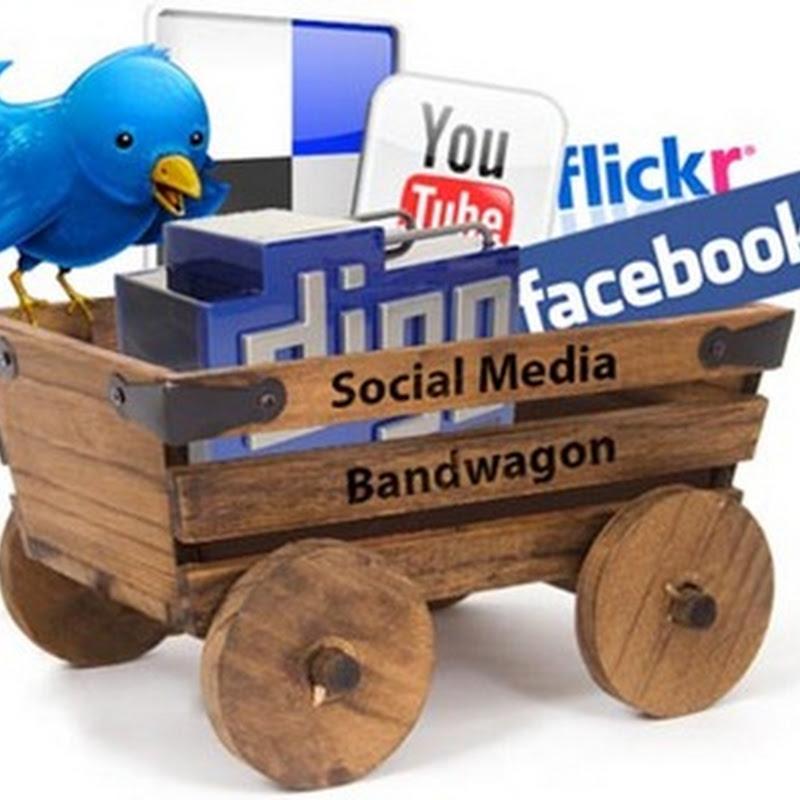 Concurso público… licitación de: dinamización de red social
