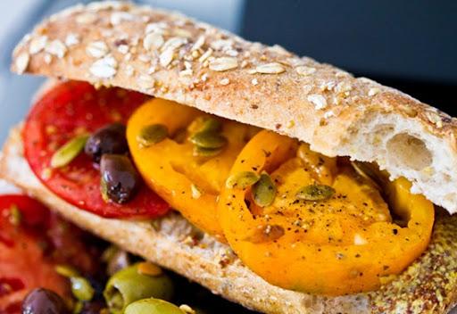 heirloom-tomato-sandwich
